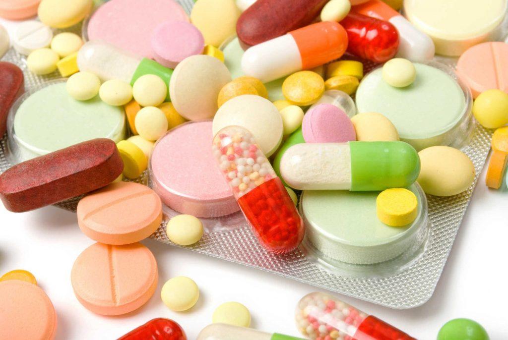 Thuốc và thực phẩm chức năng gửi đi Nhật Bản